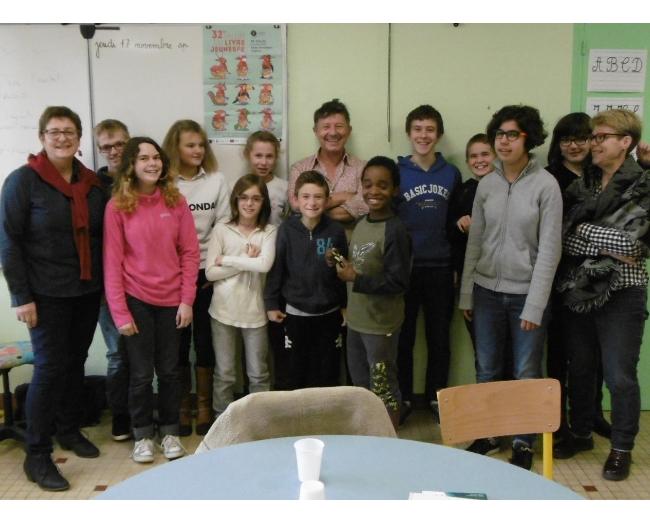 photo de la classe avec Yannick Jaulin